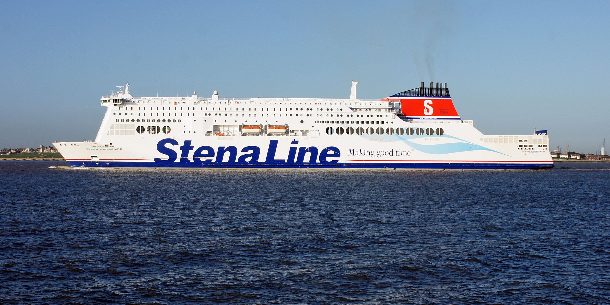 Book color line ferry - Slider 1